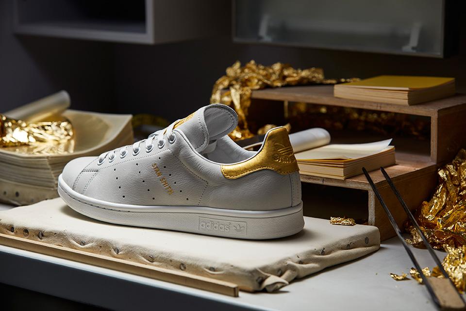 Adidas Originals donne une touche d'or à la silhouette de la Stan Smith et de la Rod Laver.6
