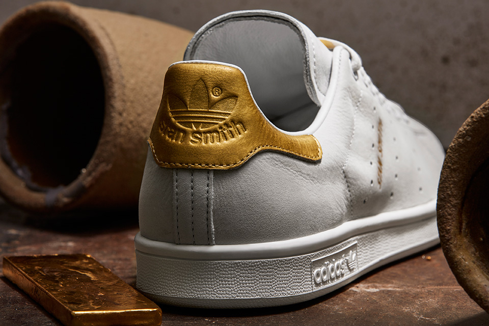 Adidas Originals donne une touche d'or à la silhouette de la Stan Smith et de la Rod Laver.7