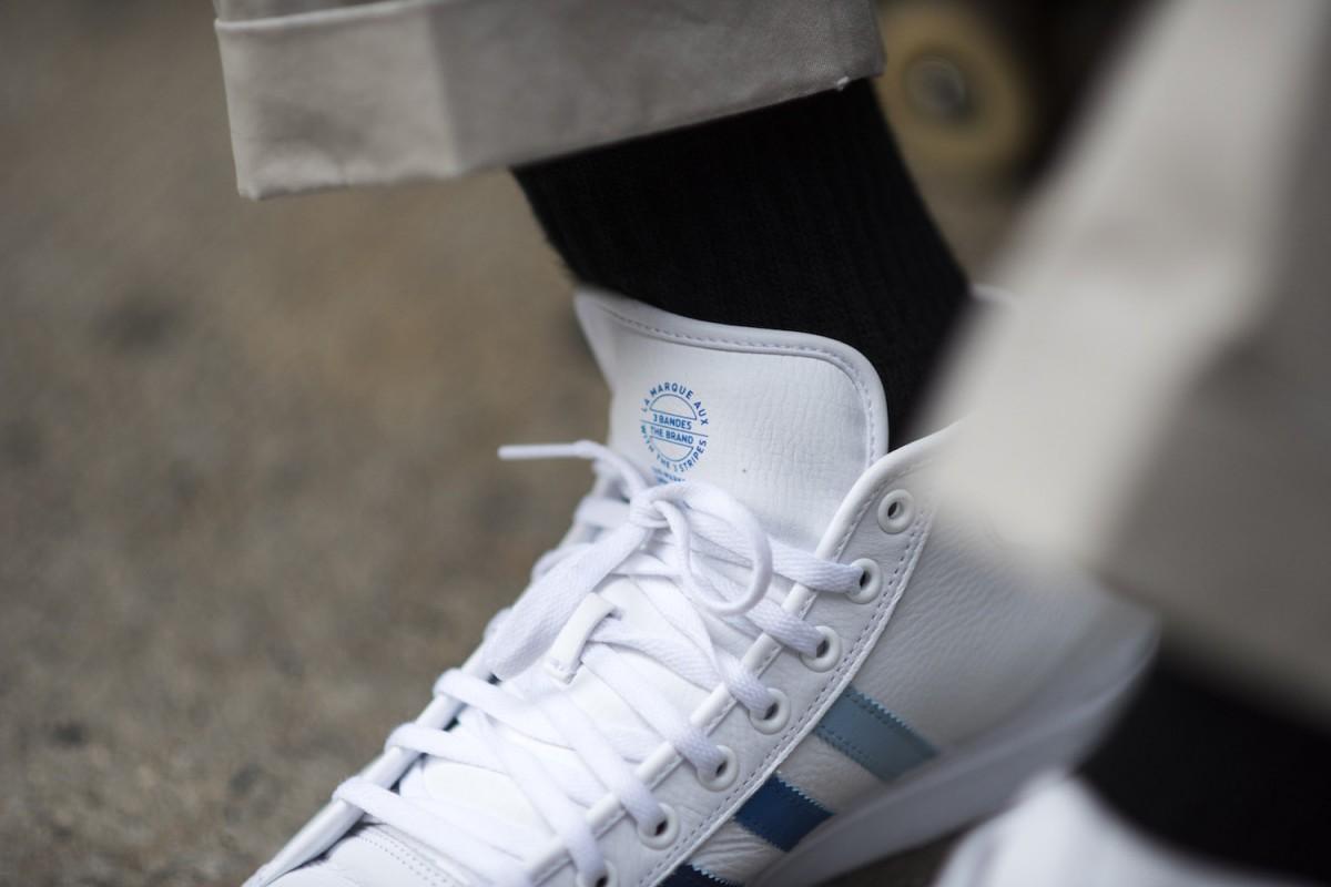 Adidas Skateboarding dévoile une nouvelle sneakers, la Na-Kel Smith Matchcourt Mid