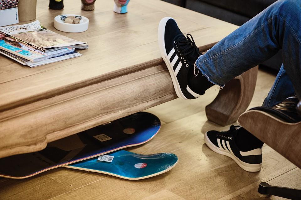 adidas présente sa silhouette Lucas Premiere ADV dans un nouveau coloris