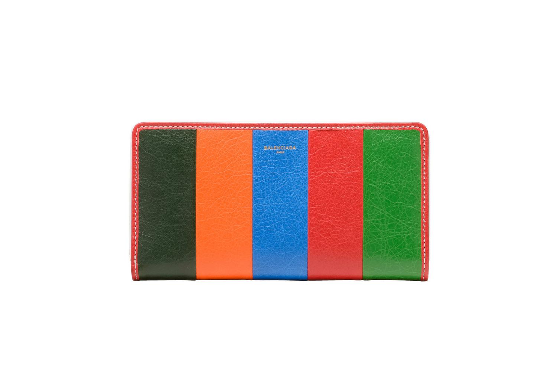 Balenciaga Bazar Bag - TRENDS periodical 11
