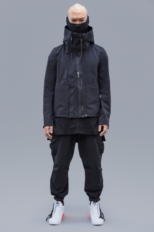 acronym-2016-fall-winter-collection-1