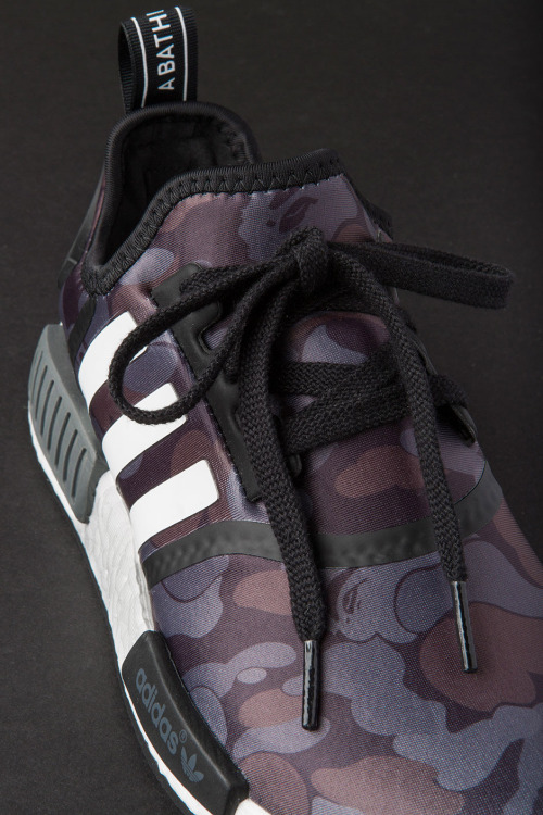 closer-look-a-bathing-ape-adidas-nmd-r1-10