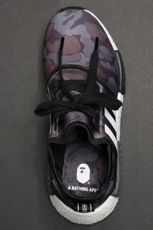 closer-look-a-bathing-ape-adidas-nmd-r1-9