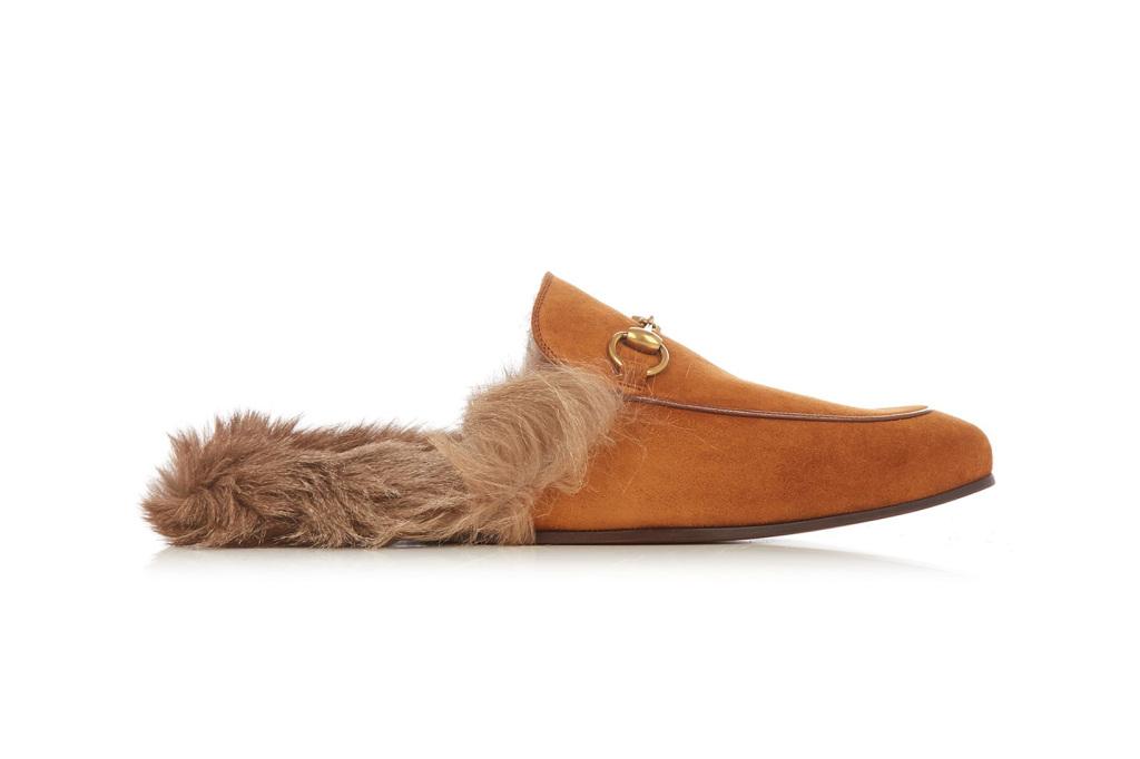 Les chaussons Gucci sont désormais disponibles en daim