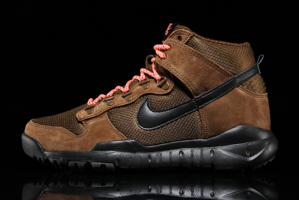Nike SB dunk high boot brown