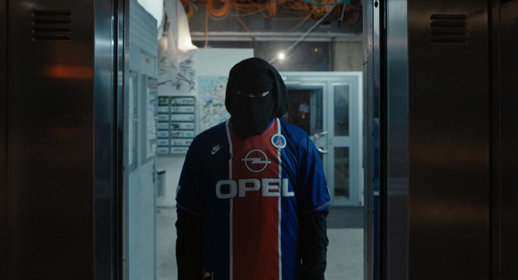 Vincent Cassel présente son court métrage «Violence en réunion»