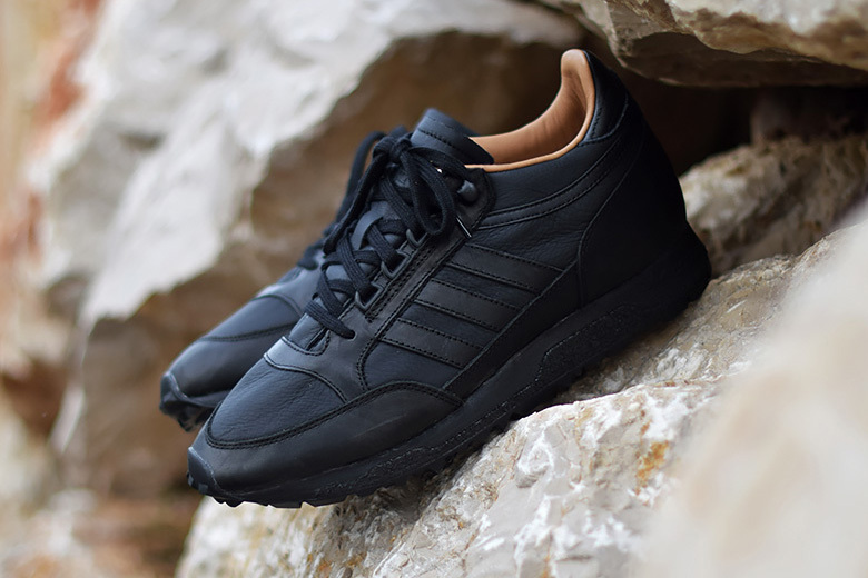 La nouvelle adidas Mounfield SPZL « Core Black »