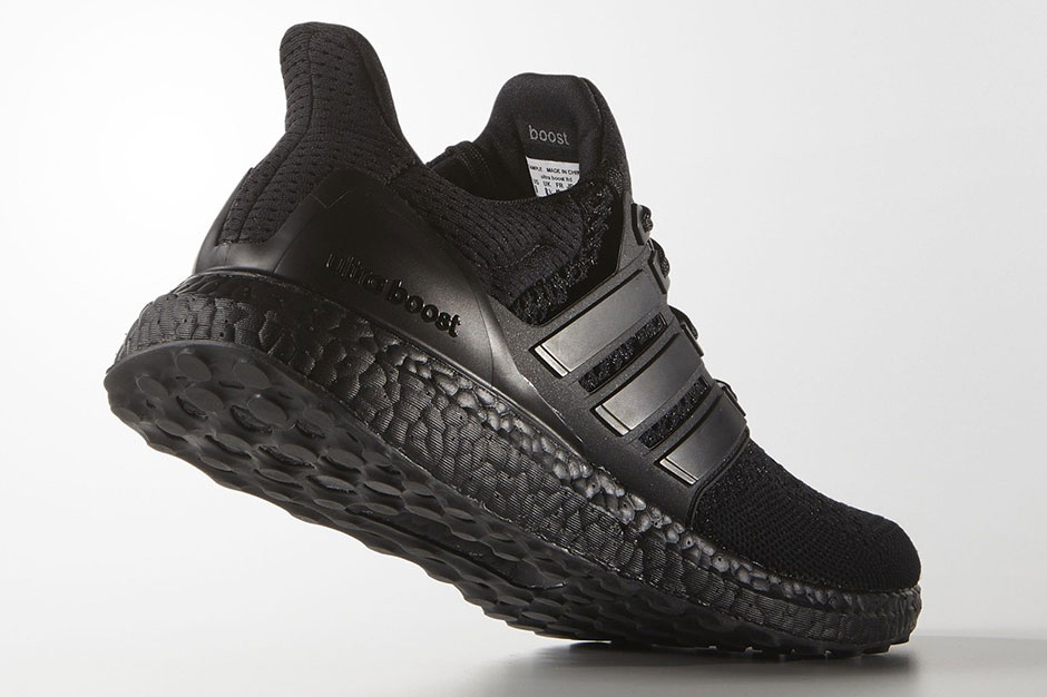 Adidas Ultraboost Triple Black - TRENDS periodical