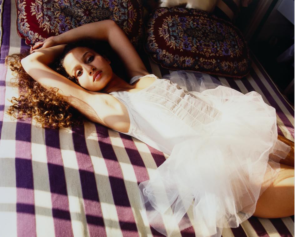 Chanel et la photographe Harley Weir célèbrent la féminité dans The Fifth Sense
