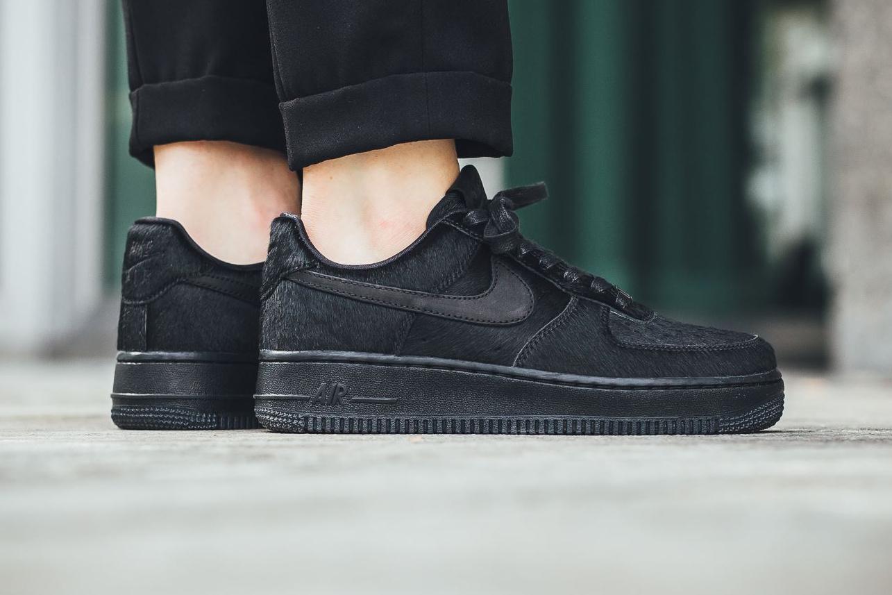 Nike Triple Black