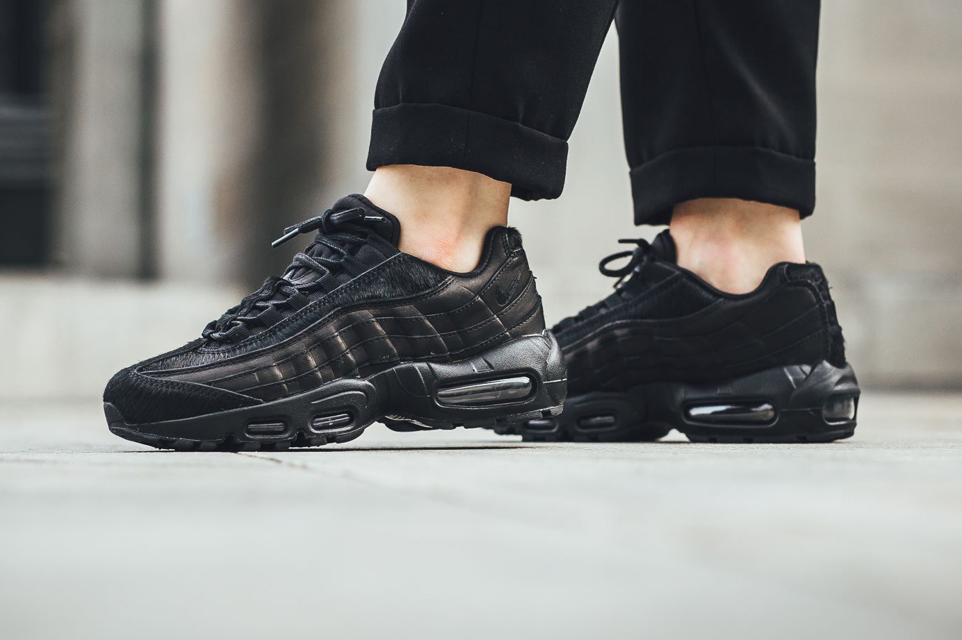 Le magnifique pack « Pony Hair » Triple Black s'applique à la Nike Air Max 95, Air Max Thea et Air Force 1