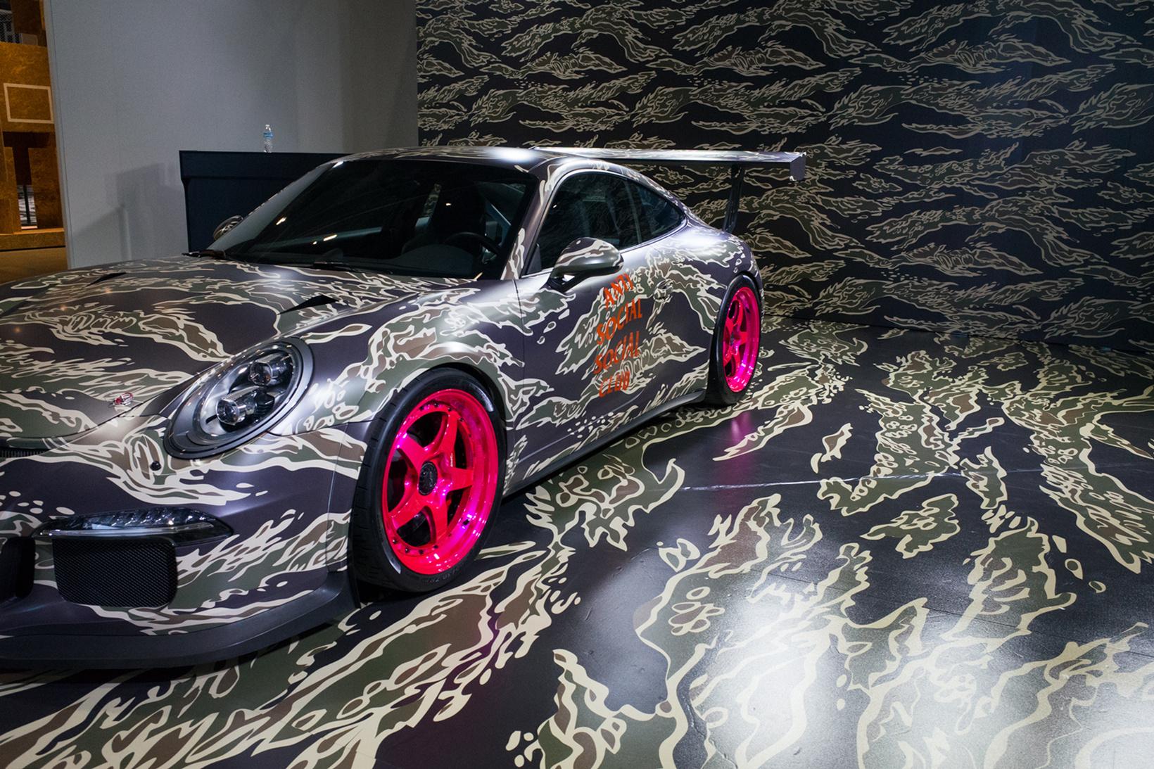 La sublime Porsche Anti Social Social Club pour la collection capsule avec Undefeated