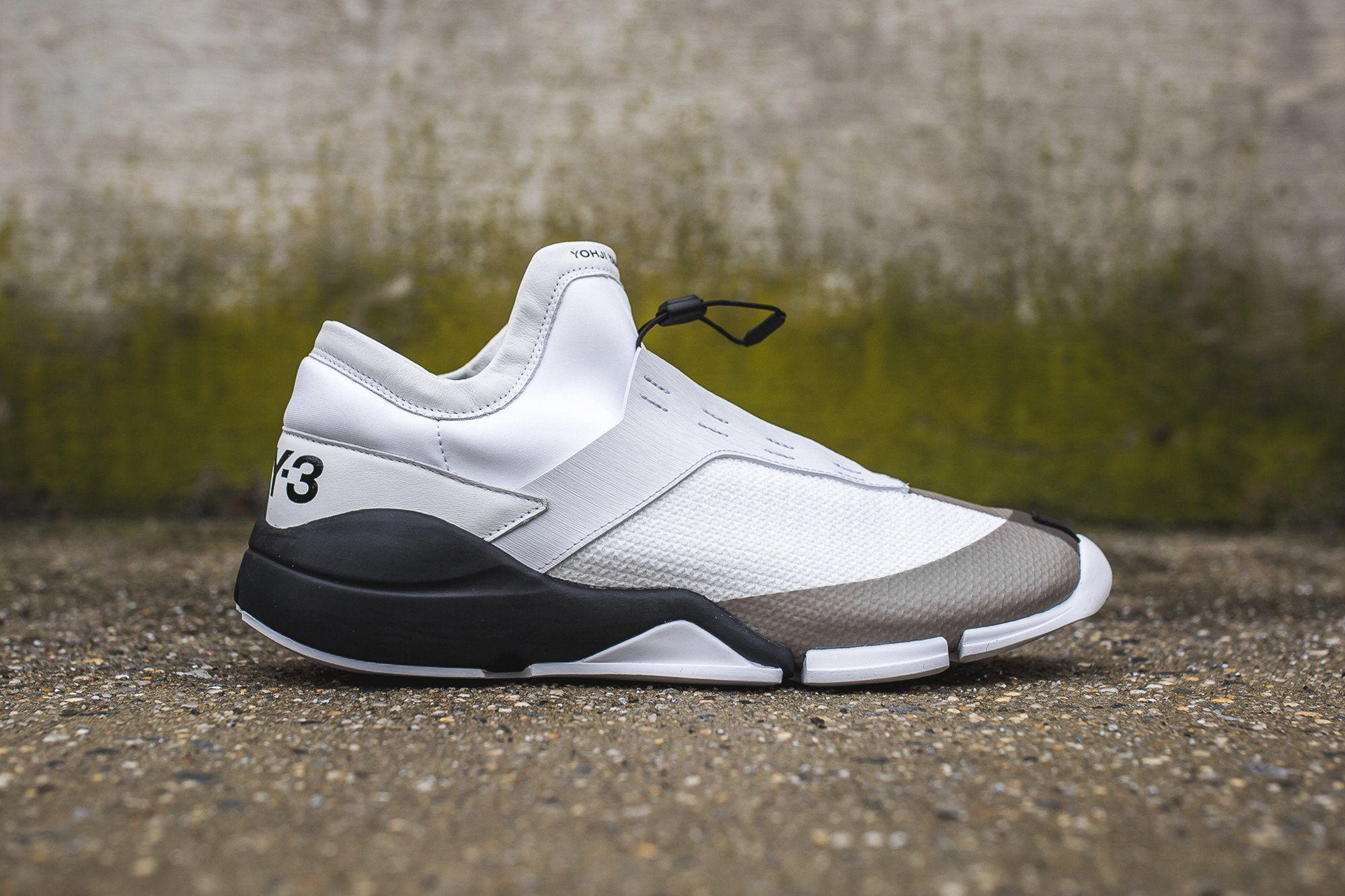 1_y-3_future_low_s82132_side_2048x2048
