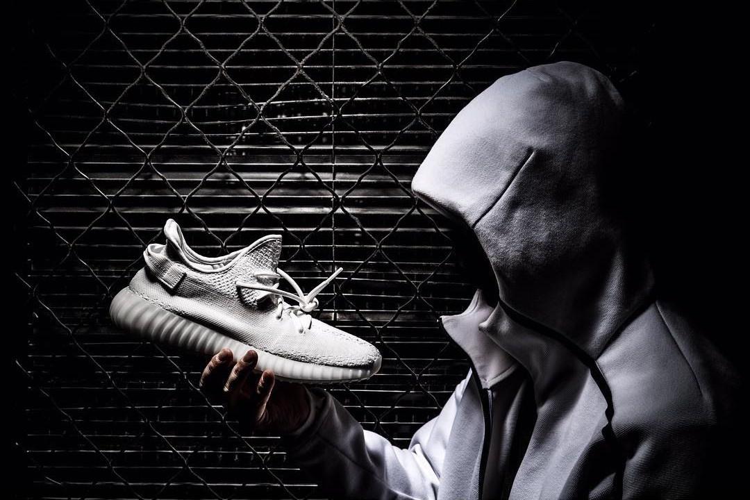 adidas-yeezy-boost-350-v2-triple-white-pics-2