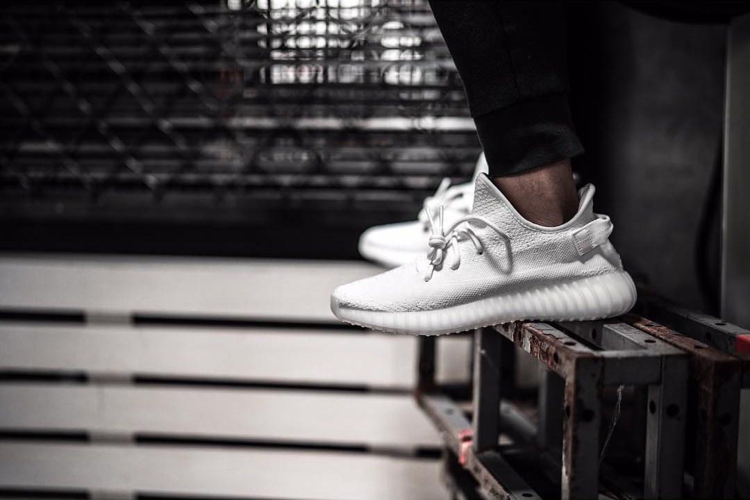 adidas-yeezy-boost-350-v2-triple-white-pics-4