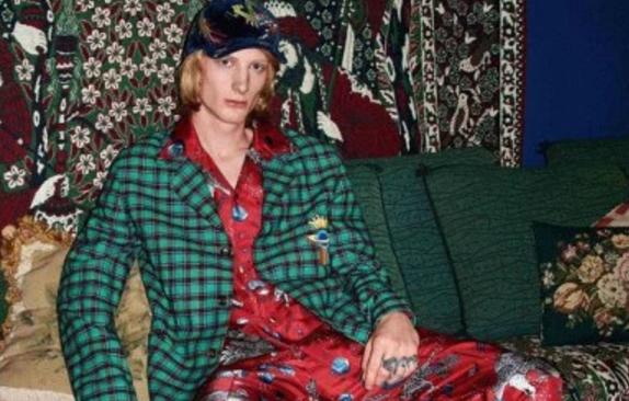 Gucci poursuit sa ligne directrice et enchaîne avec la collection masculine Pre-Fall 2017