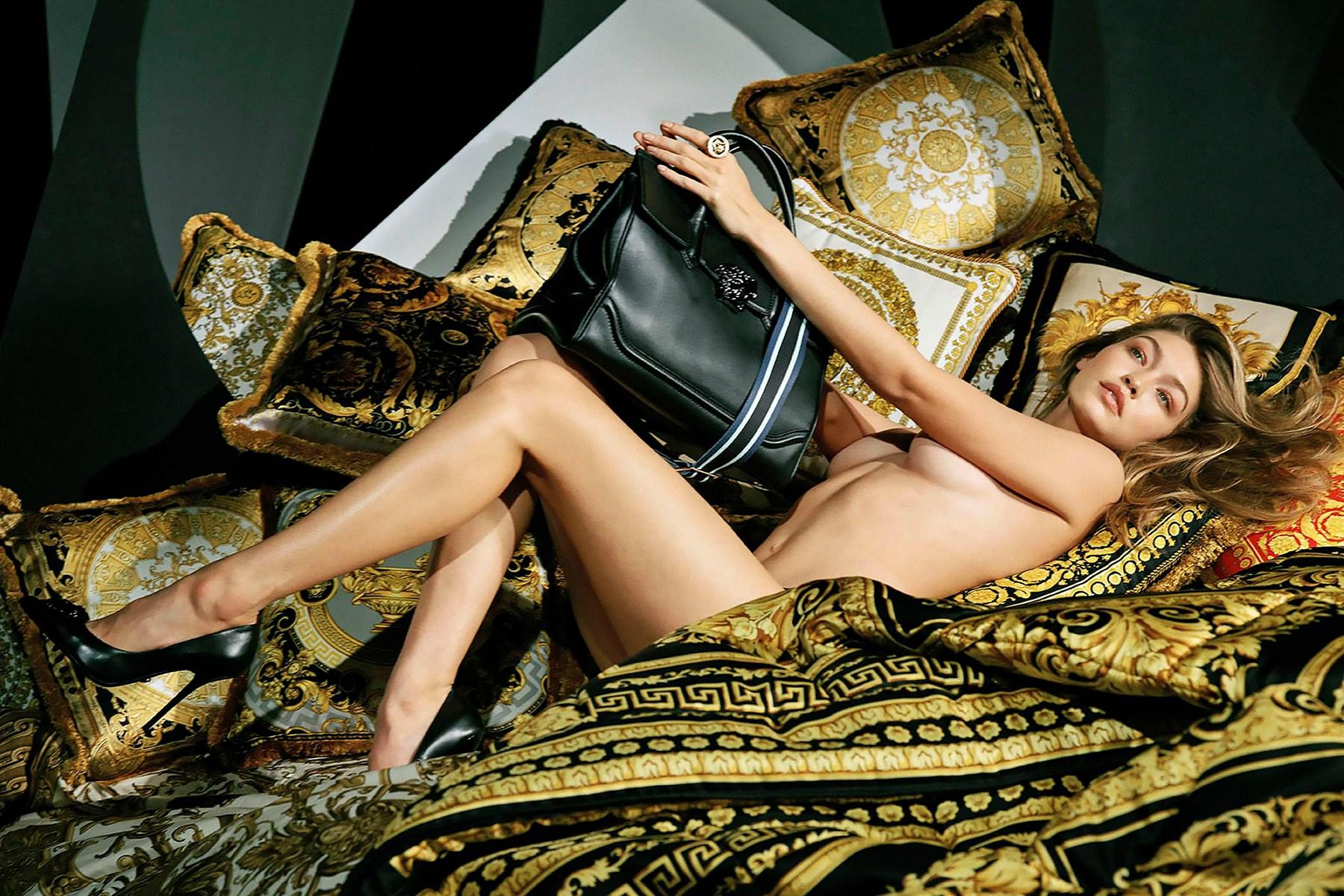 Gigi Hadid se dénude dans la campagne Hiver 2016 de Versace