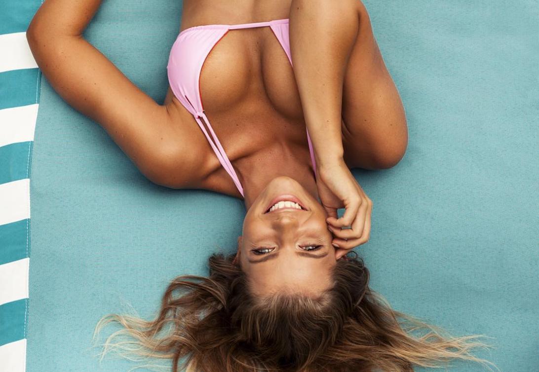 Qui est Kristina Mendonca, la mannequin qui affole Instagram ?
