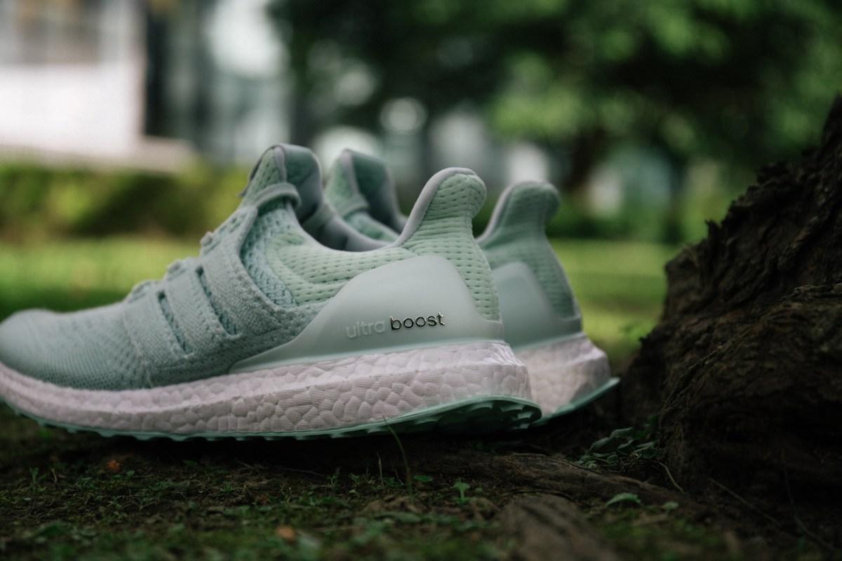 Adidas Consortium et NAKED s'associent pour une UltraBOOST aquatique