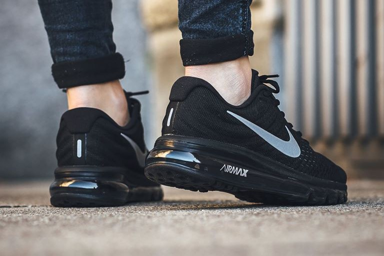 nike-air-max-2017-black-white-2