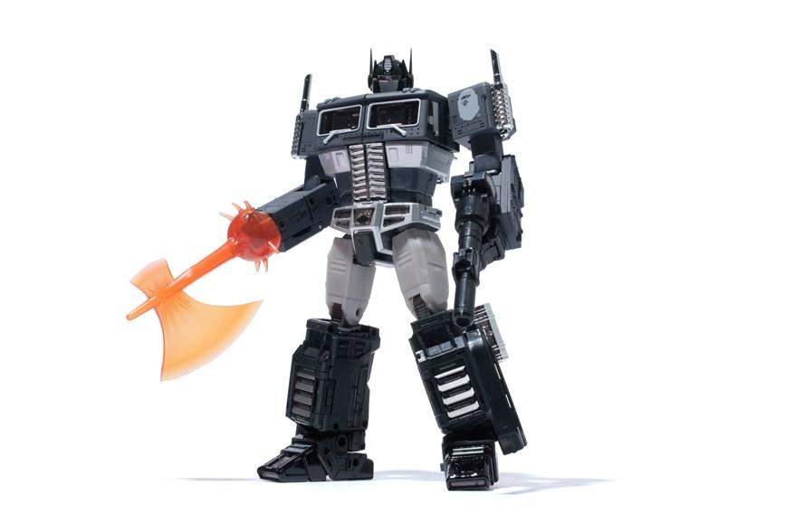 Vous ne rêvez pas : Voici le nouveau Transformers Bape