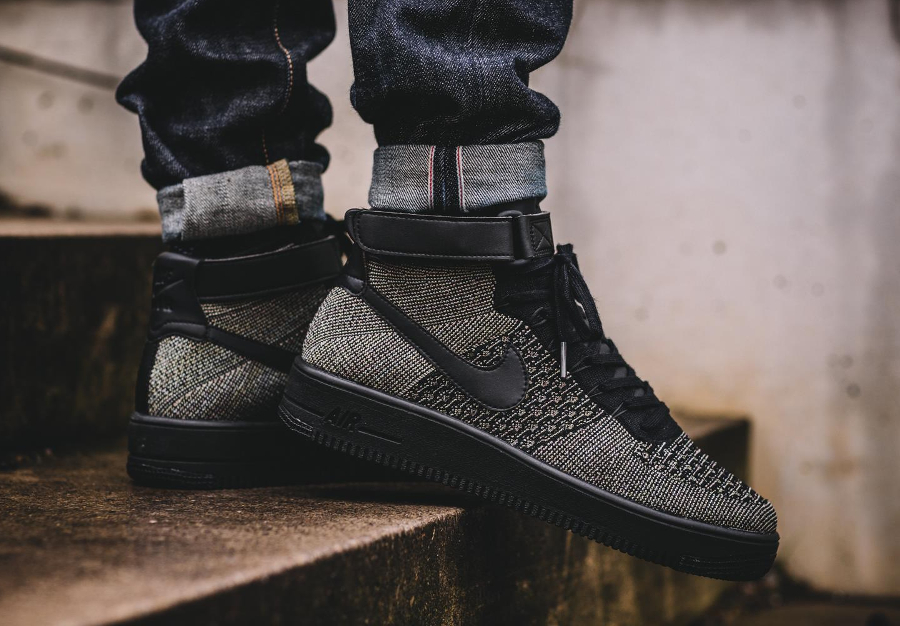 chaussure-nike-air-force-1-ultra-flyknit-mid-vert-fonce-pour-homme-1