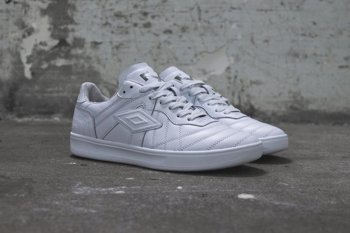 La «Coach» sneaker OFF-WHITE x Umbro