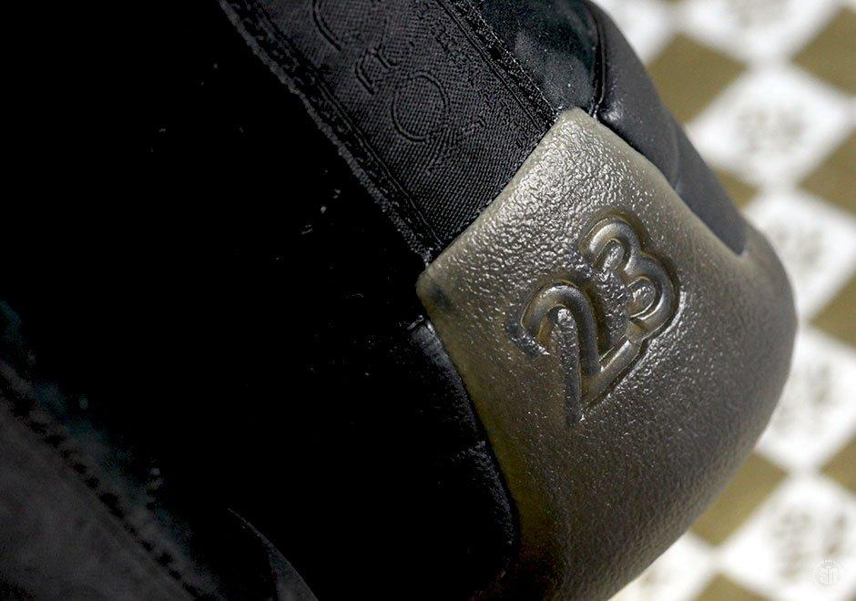 Drake-x-Air-Jordan-12-OVO-Black-blackblk-mtlc-gold-456963-090-2