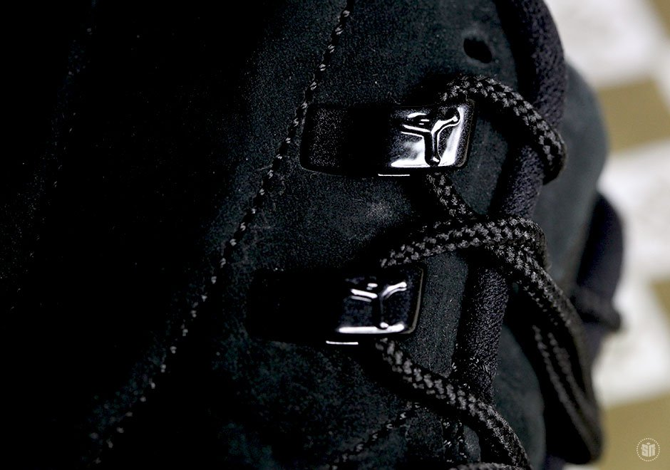 Drake-x-Air-Jordan-12-OVO-Black-blackblk-mtlc-gold-456963-090-3
