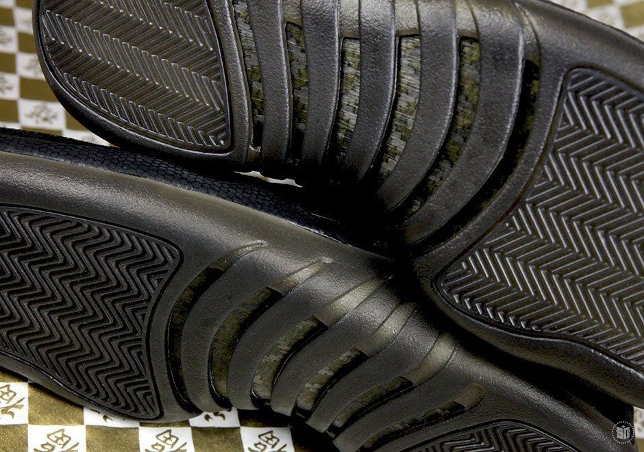 Drake-x-Air-Jordan-12-OVO-Black-blackblk-mtlc-gold-456963-090-6