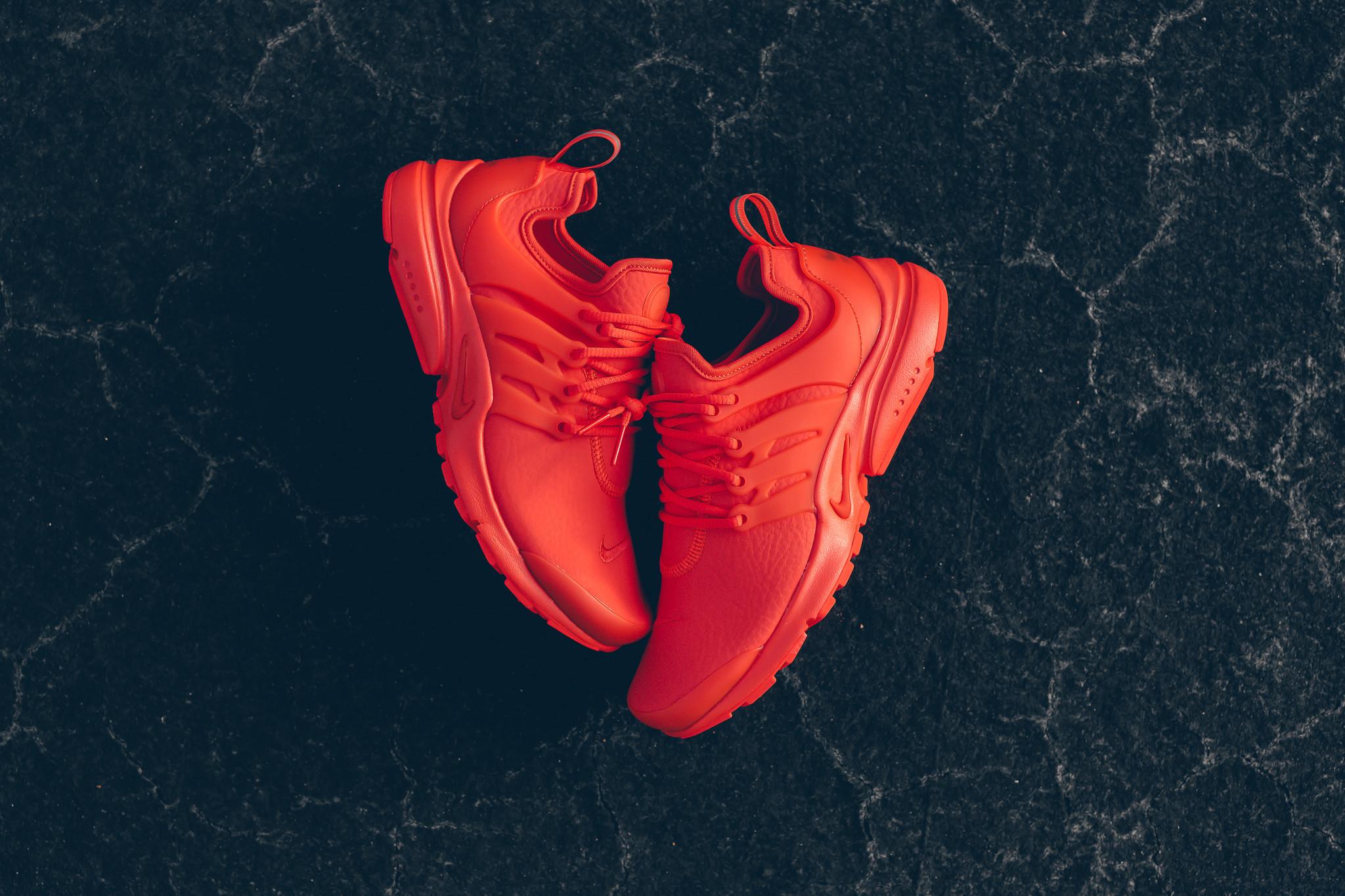 WMNS_Nike_Air_Presto_PRM_Max_Orange_Sneaker_Politics_HypeBeast_1-12