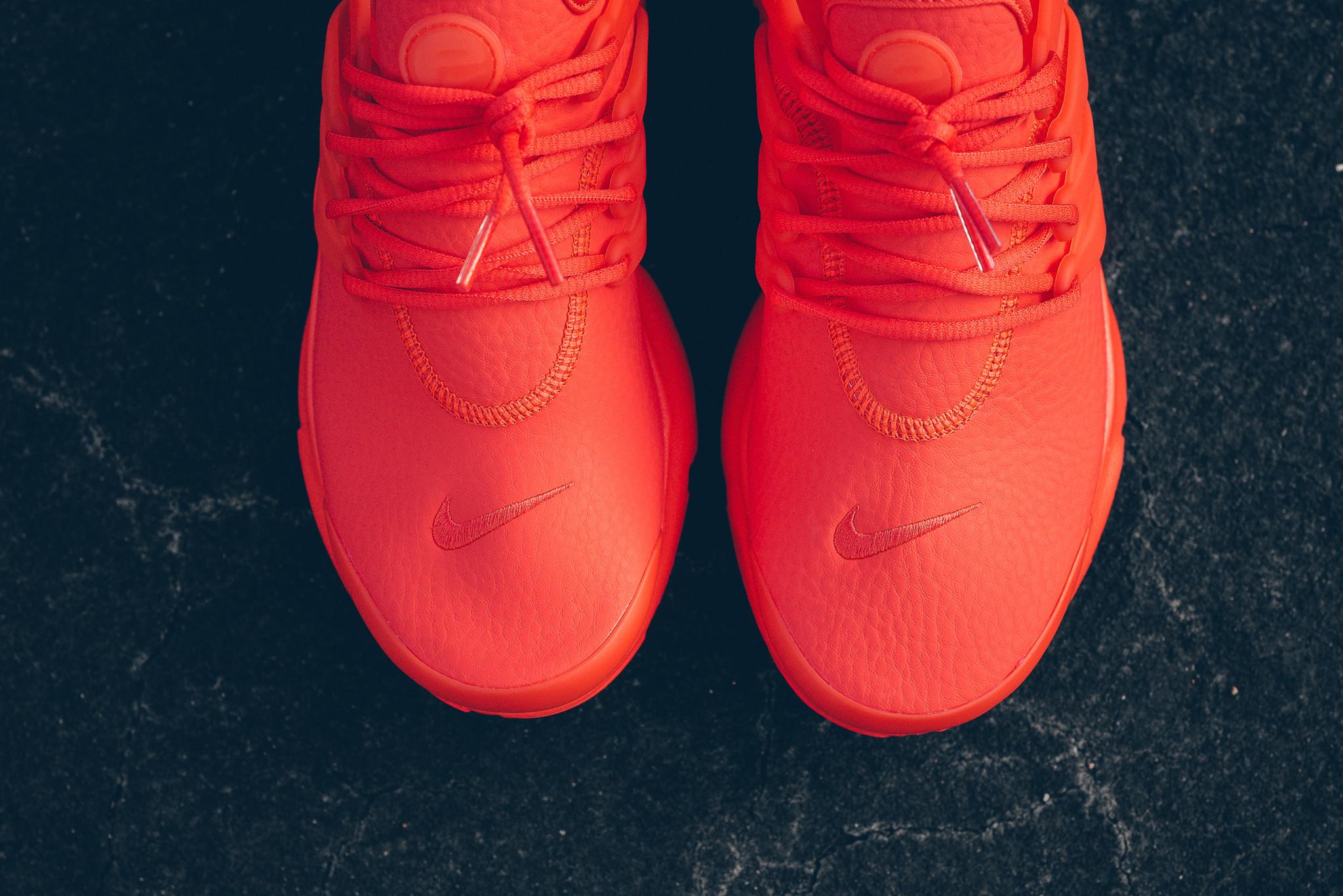 WMNS_Nike_Air_Presto_PRM_Max_Orange_Sneaker_Politics_HypeBeast_1