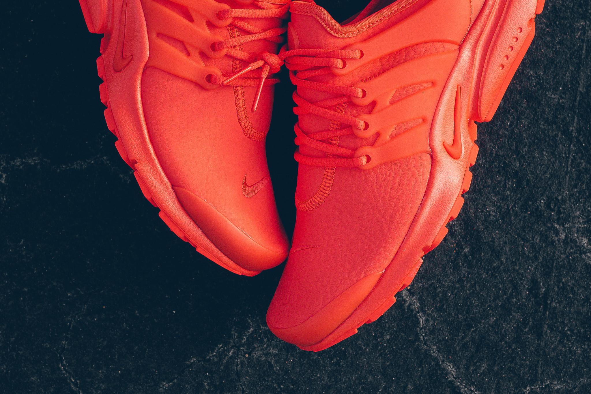 WMNS_Nike_Air_Presto_PRM_Max_Orange_Sneaker_Politics_HypeBeast_4