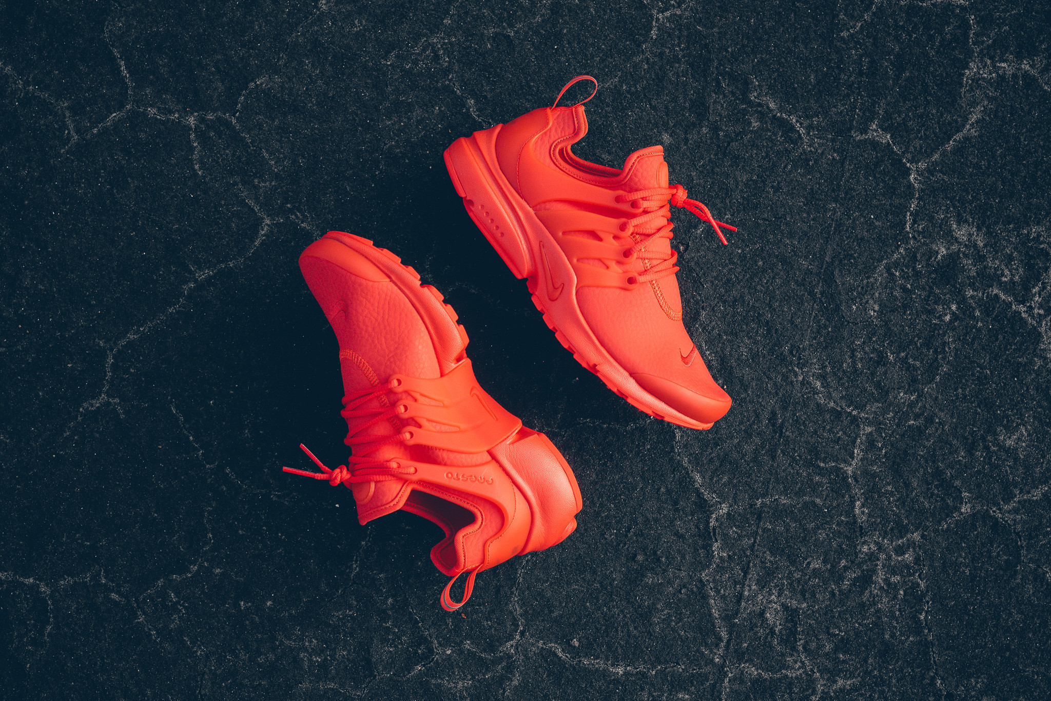 WMNS_Nike_Air_Presto_PRM_Max_Orange_Sneaker_Politics_HypeBeast_6