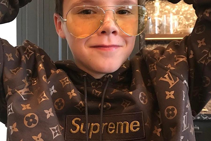 Le fils de David Beckham s'affiche avec un LV x Supreme Box Logo Hoodie jamais vu