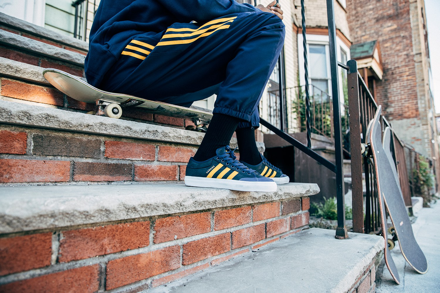 Adidas Skateboarding reprend ses collabs et dévoile une collection avec Hardies Hardware