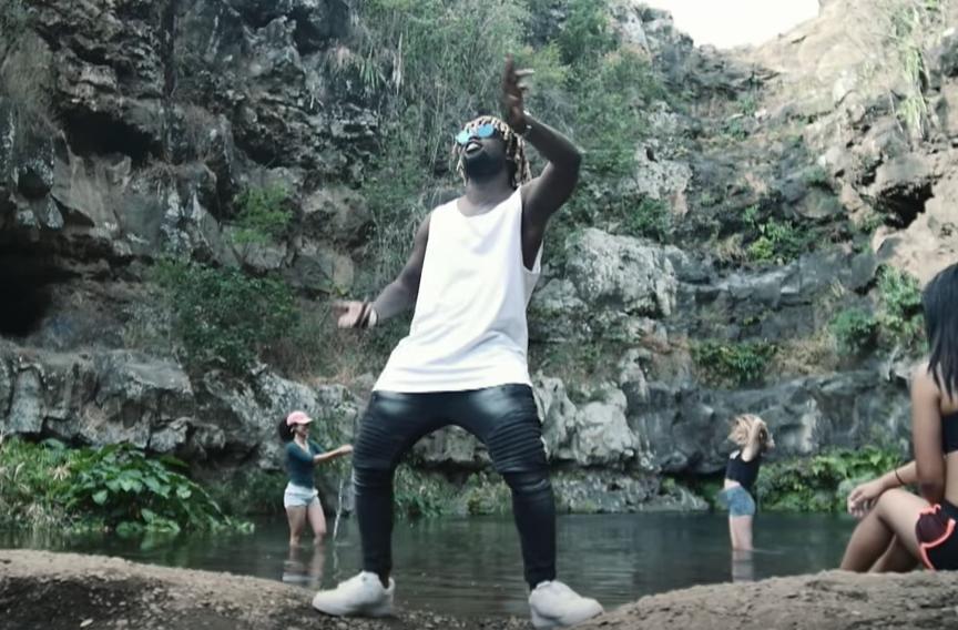 Jok'air balance le clip « C'est la guerre », premier extrait de son premier projet en solo