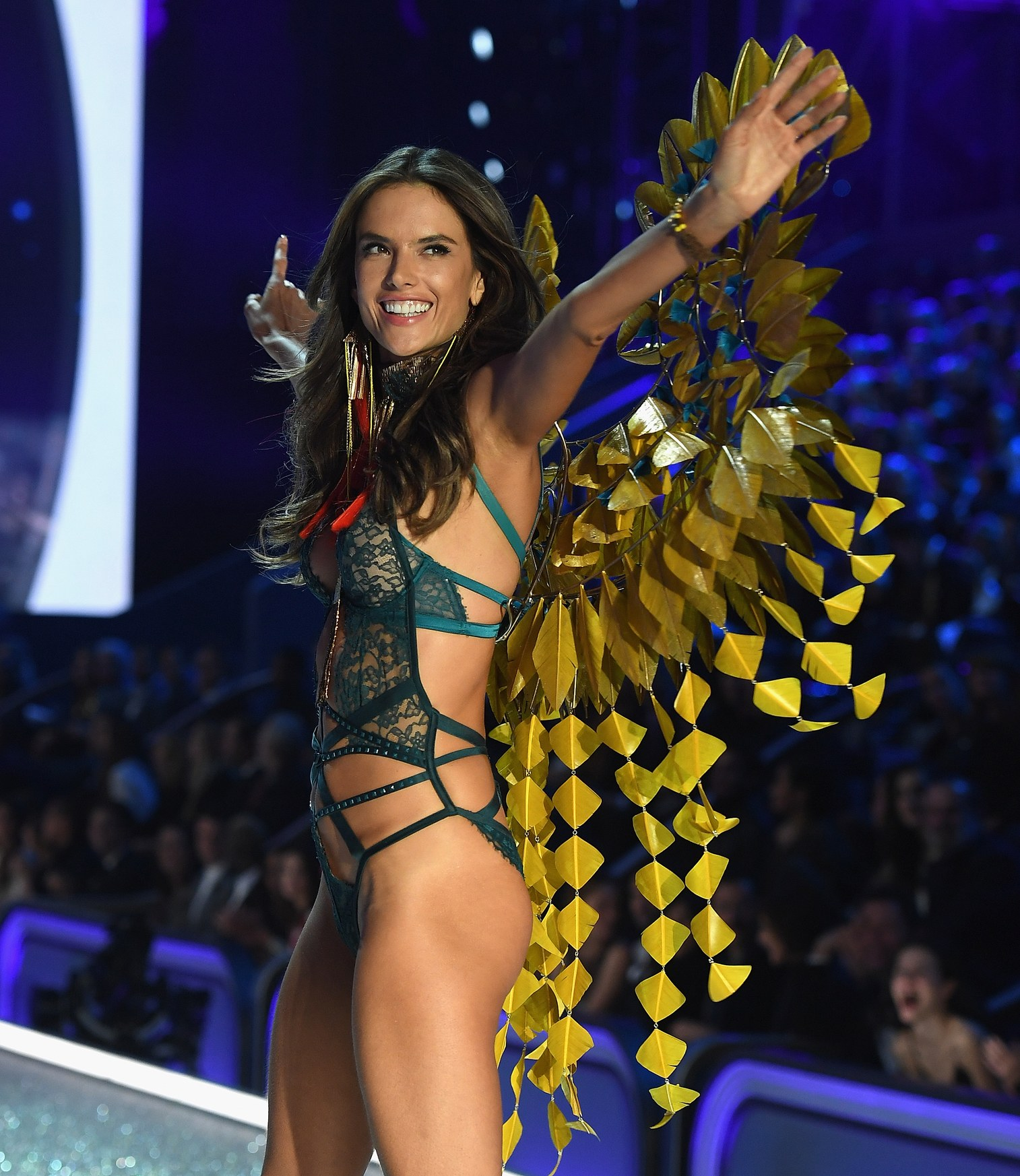 most-popular-vs-angel-alessandra-ambrosio