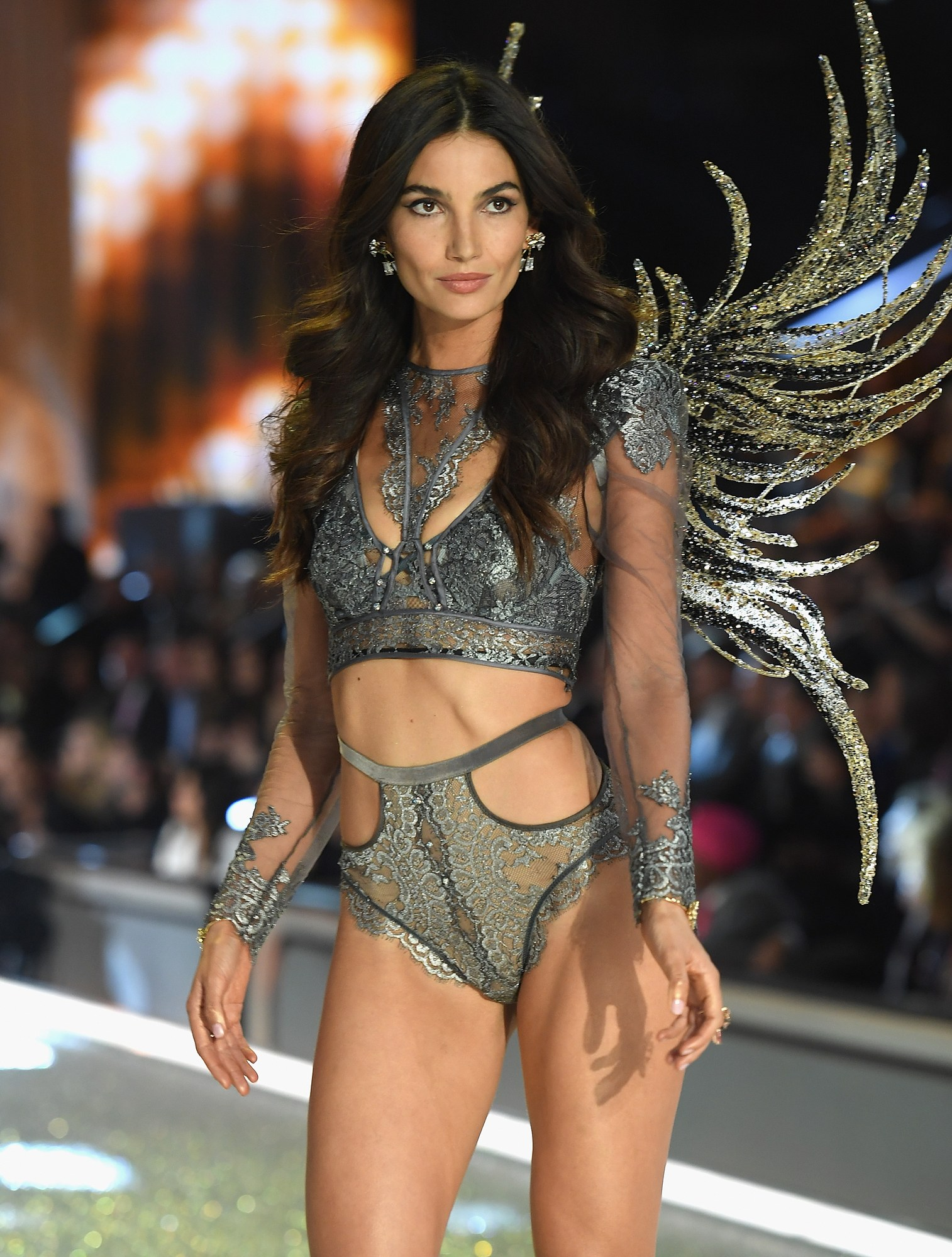 most-popular-vs-angel-lily-aldridge