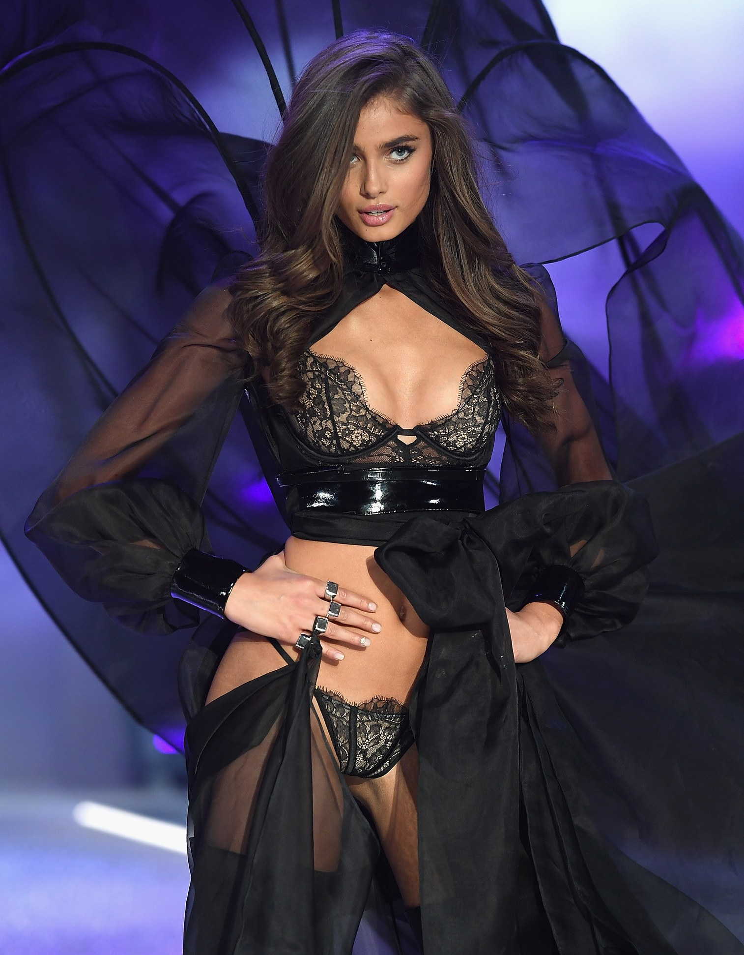 most-popular-vs-angel-taylor-hill