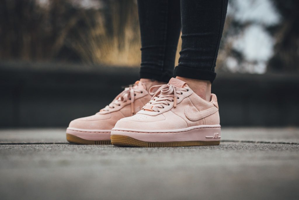nike-air-force-1-upstep-pink-girlsonmyfeet-titolo-1024x683
