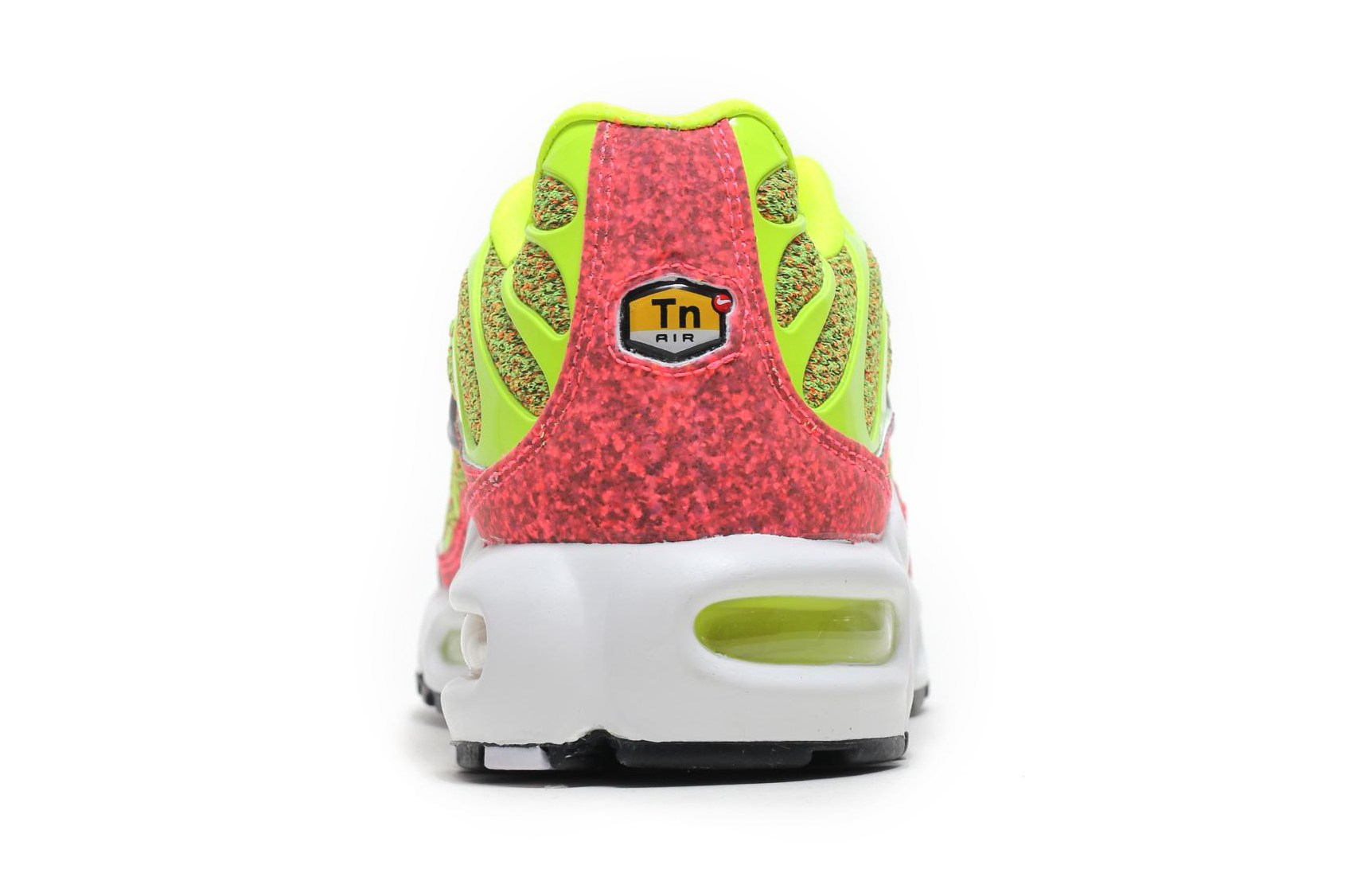 nike-air-max-plus-volt-hot-punch-3