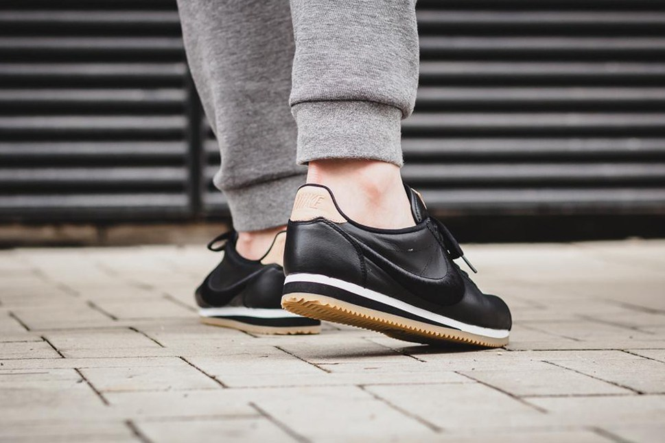 nike-classic-cortez-leather-black-gum-2