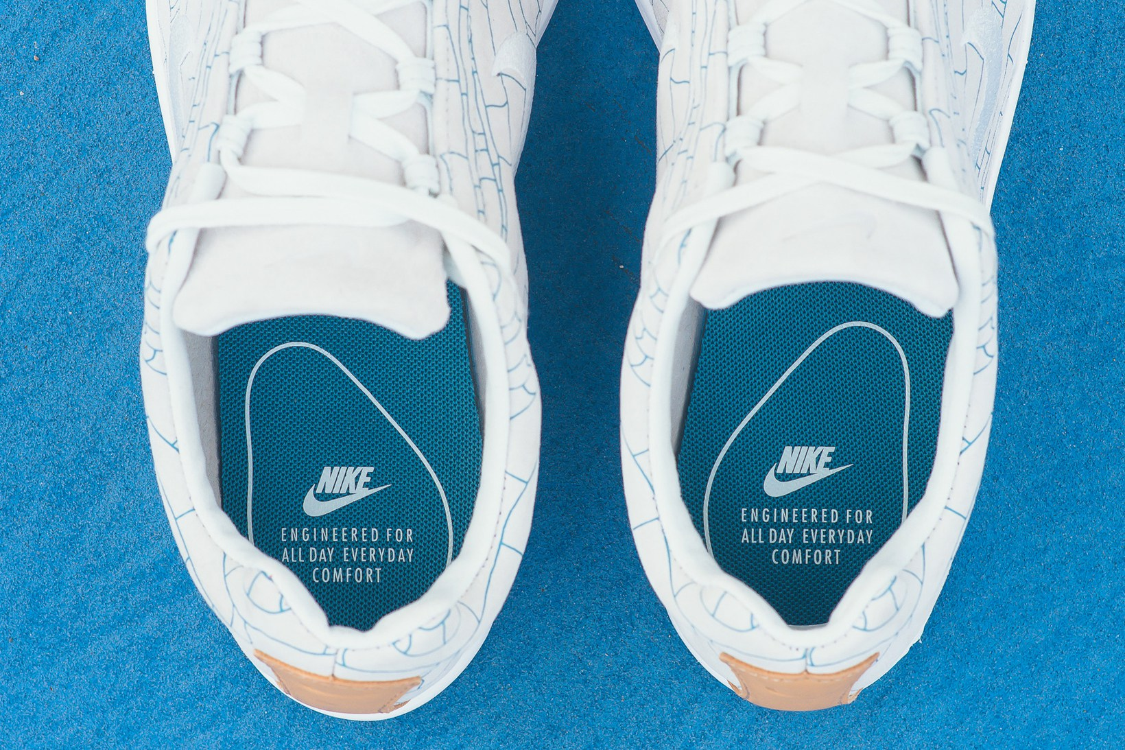 nike-mayfly-leather-premium-off-white-4