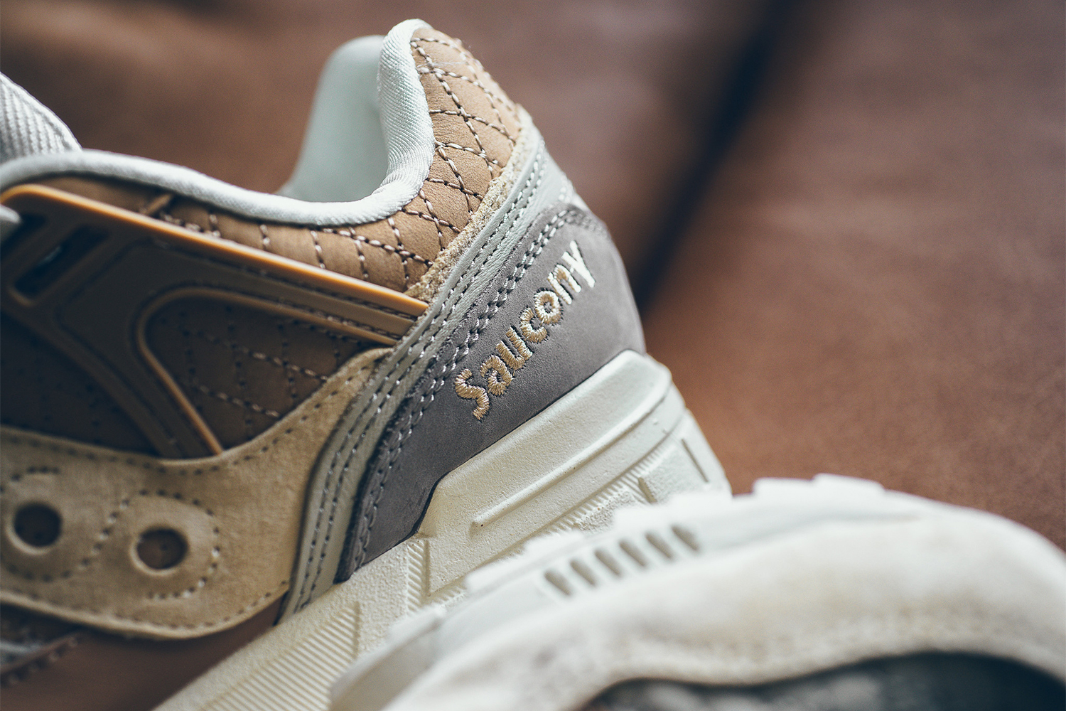 saucony-grid-sd-quilted-tan-grey-03