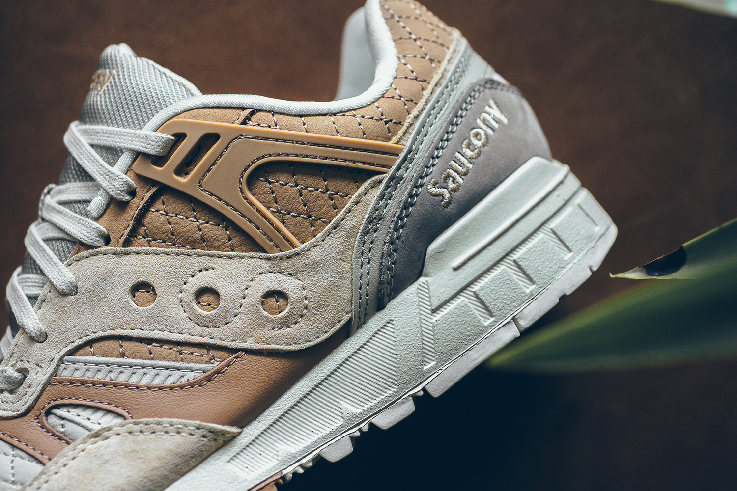 saucony-grid-sd-quilted-tan-grey-04