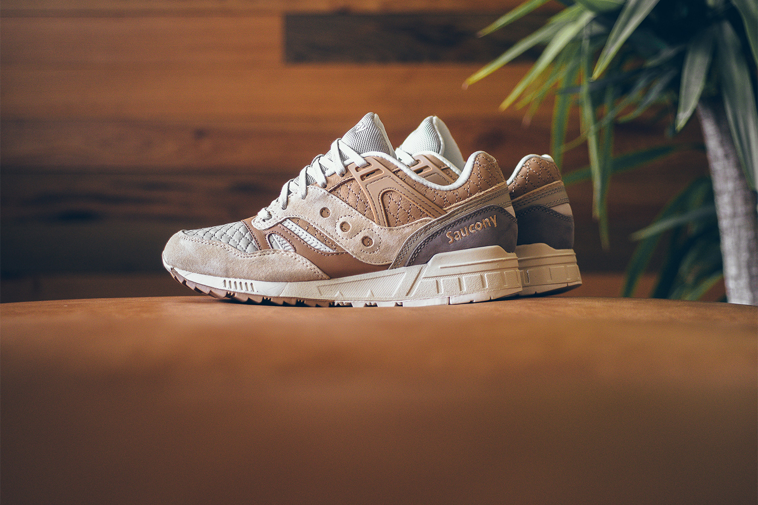 saucony-grid-sd-quilted-tan-grey-07
