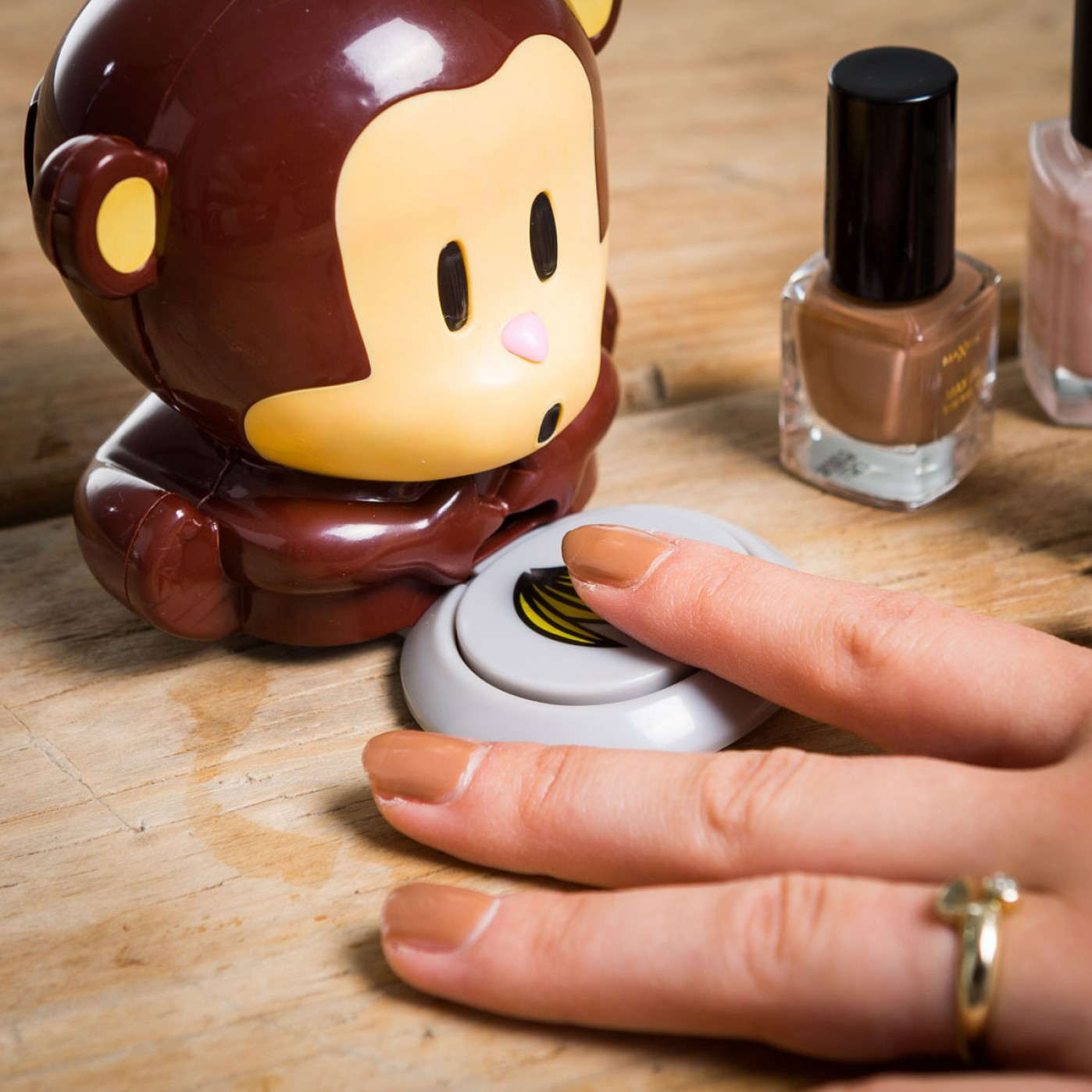 singe-seche-vernis-a-ongles-131