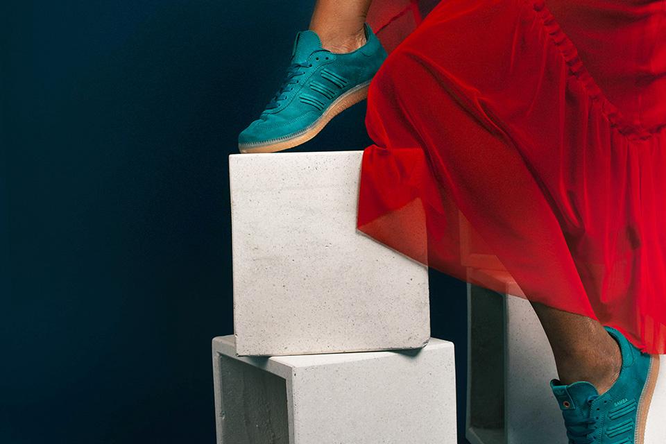 adidas-consortium-womens-samba-deep-hue-01